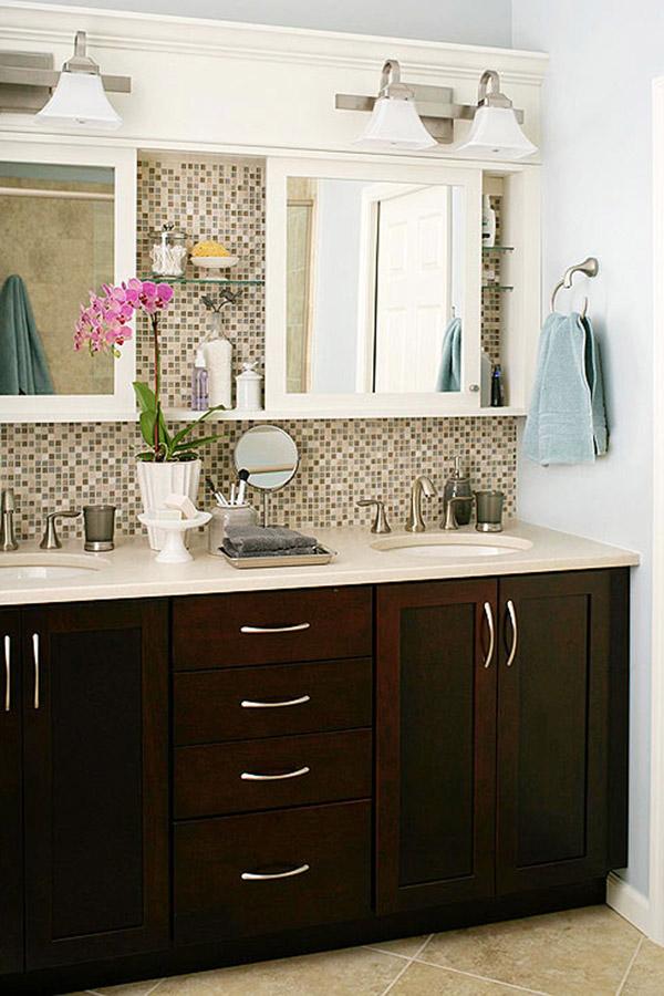 Встроенная мебель для большой ванной комнаты