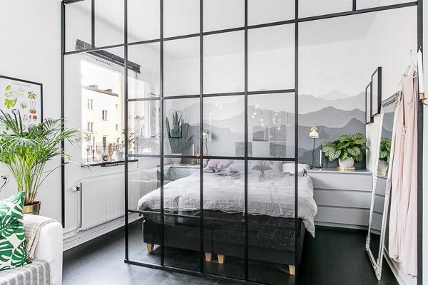 окна без штор в интерьере лофт