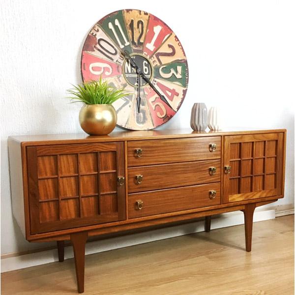 мебель и предметы в стиле ретро