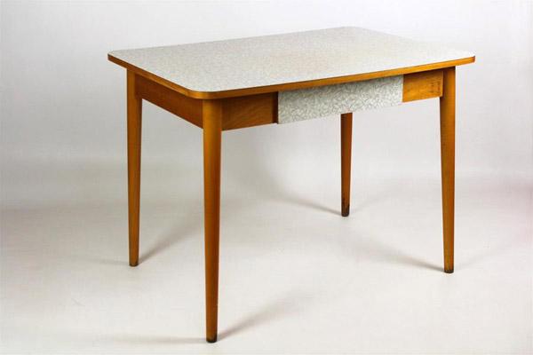 кухонный стол в стиле 60-х