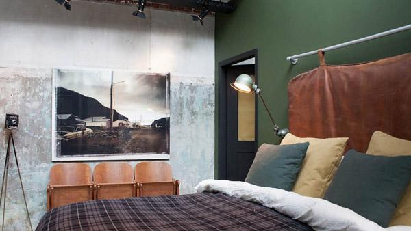 кровать для интерьера в стиле лофт