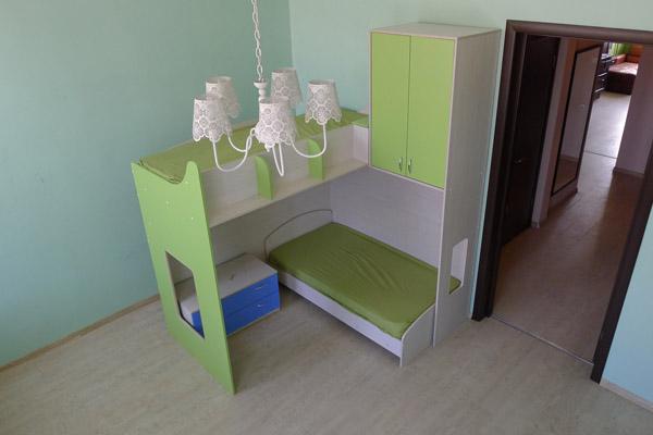 2 х ярусная кровать с перпендикулярно расположенными спальными местами