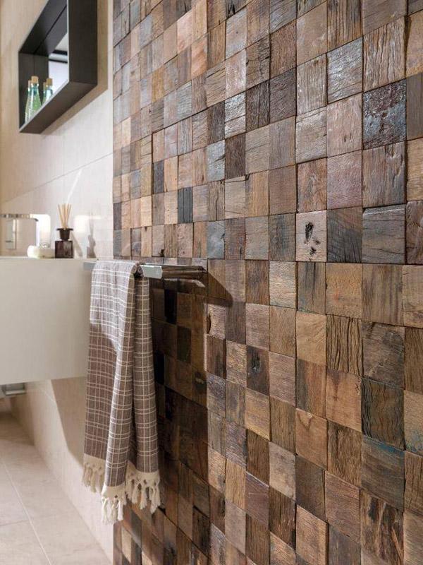 стна из торцов деревянных брусков с покрытием герметиком