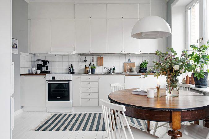 обеденная зона в кухне гостиной