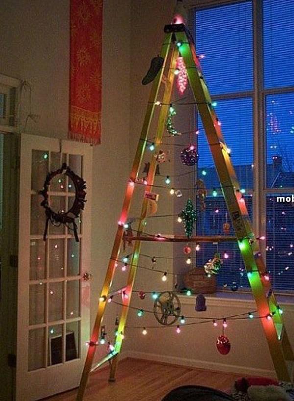 идея новогодней елки из лестницы