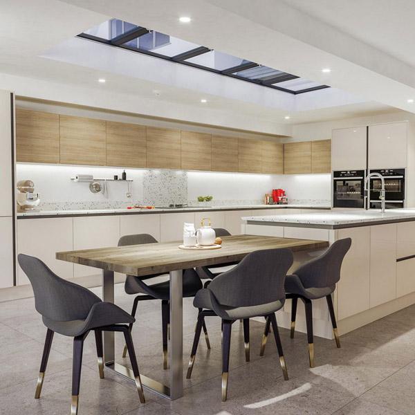 кухня с фасадами двух разных цветов