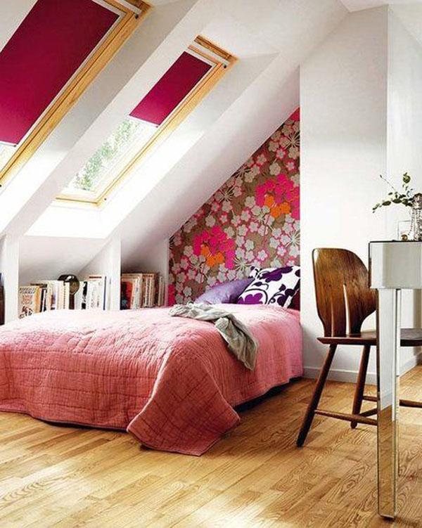 как подчеркнуть наклонный потолок на чердаке