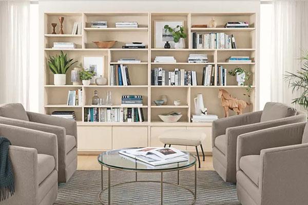 декор книжных полок в гостиной