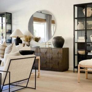 мебель разных цветов в интерьере гостиной