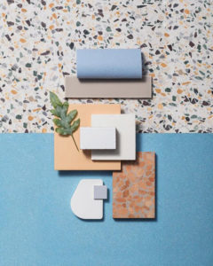 подборка отделочных материалов для кухни с голубым фасадом